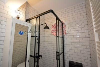 siyah banyo kabini