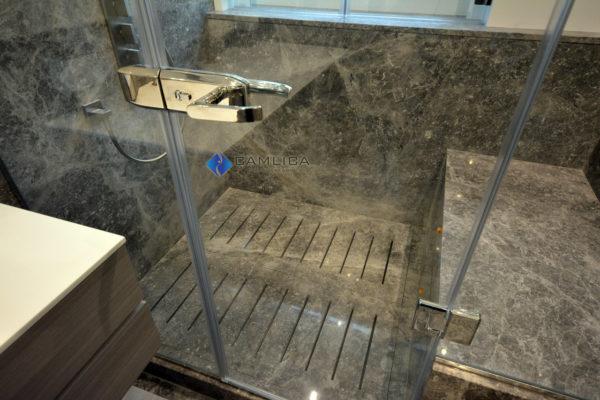kilitli duşakabin